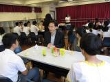 新來港學生與校長茶聚活動相片縮圖